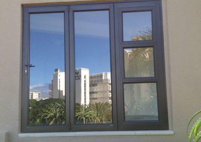 3-pane-stack-door-with-a-window-insert-w1920